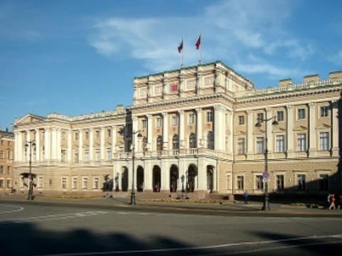 Питерским врачам к 2018 году пообещали зарплату [в 115 тысяч рублей в месяц]