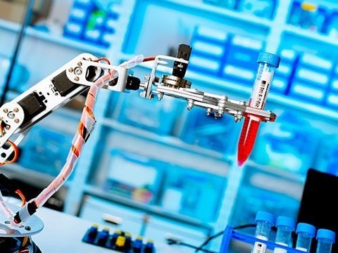 Роботы-хирурги оказались крайне уязвимы ккибератакам
