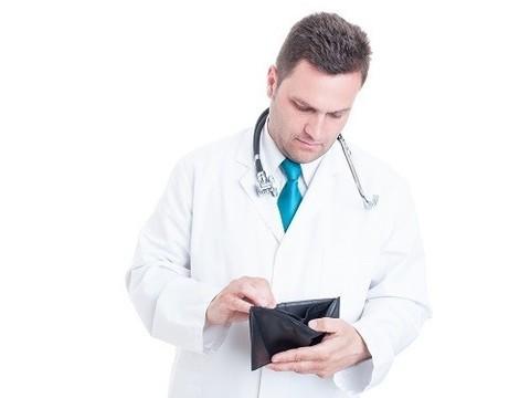 Росстат обсчитался: половина врачей получает менее 25 тысяч рублей на одну ставку