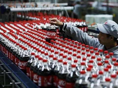 Жажда знаний: исследователи выяснили, вредно ли пить Кока-Колу