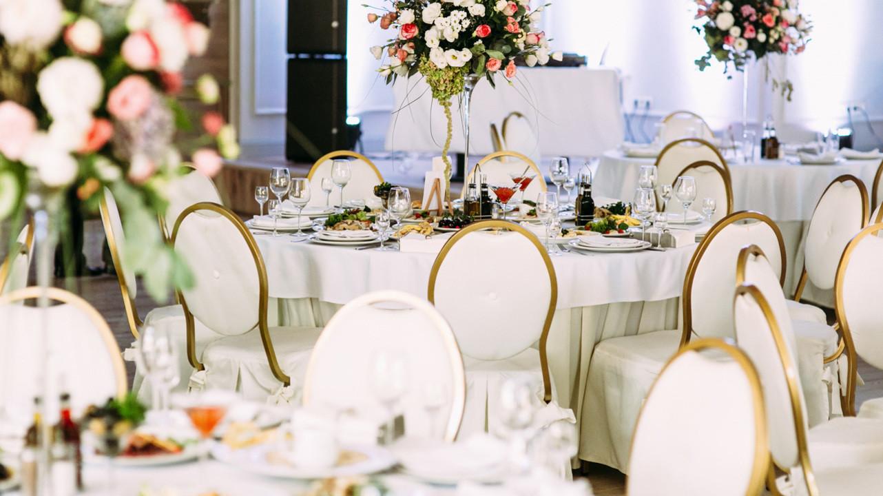 Шестеро привитых гостей на свадьбе в Техасе заразились SARS-CoV-2, один скончался