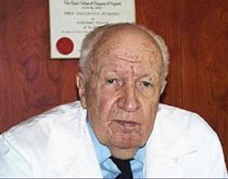Борису Петровскому вручили премию «Легенда века» за 2001 год