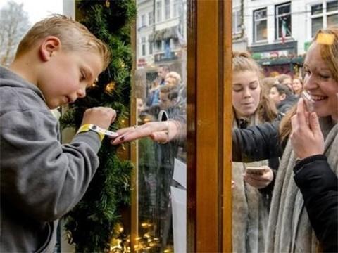 Новый флешмоб собрал более 2,5 миллионов евро для больных детей
