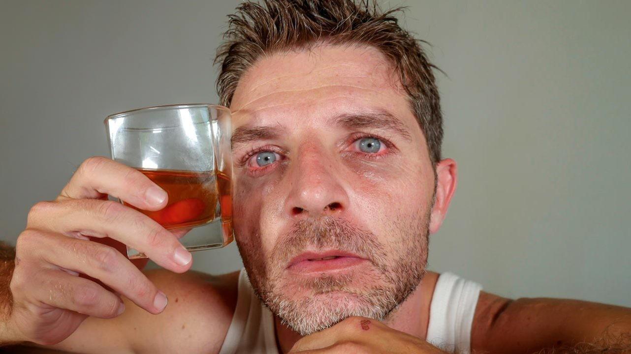 Алкоголь притупляет у мужчин способность распознавать эмоции