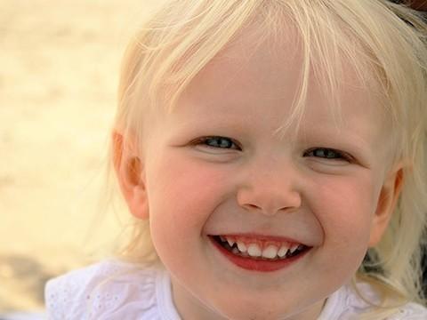 Прием витамина D во время беременности в будущем снижает риск проблем с зубами у ребенка