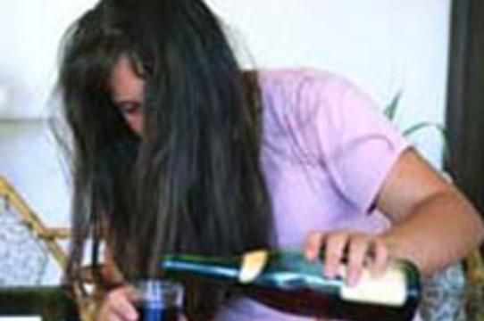 Пьющие подростки [в 5 раз чаще становятся алкоголиками]