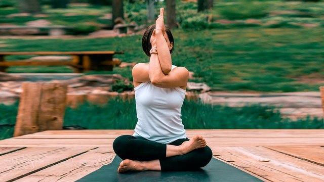 Кундалини-йога помогает справиться с тревожностью - исследование