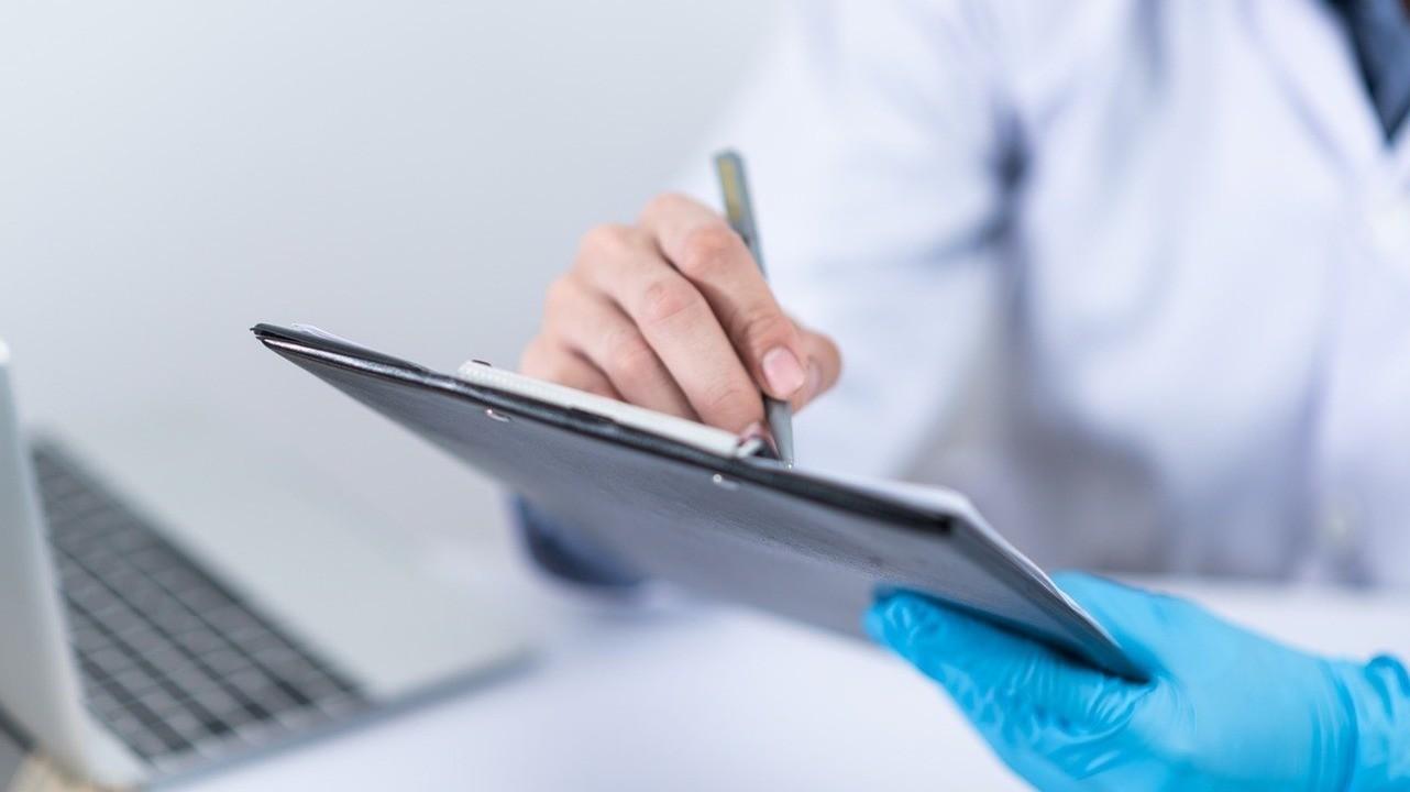 Около трети врачей в РФ чувствуют постоянный страх при работе с наркотическими препаратами