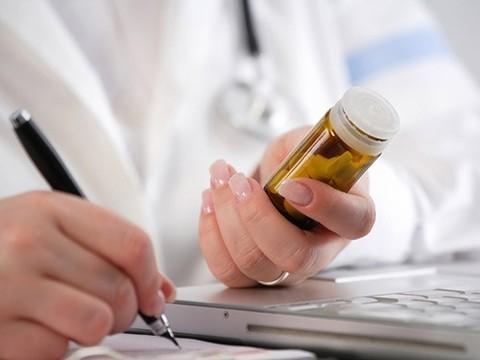 Власти США будут отслеживать побочные эффекты лекарств на пациентском форуме