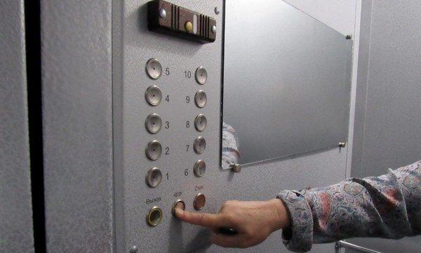 Как не заразиться COVID-19 в лифте