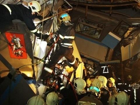 Количество пострадавших при [аварии в метро достигло 271]