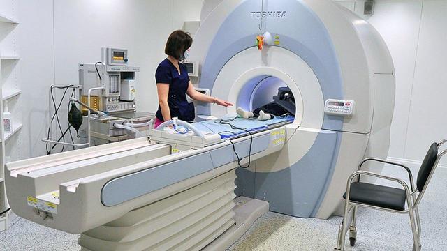 Врачи обнаружили изменения в мозге у пациента с потерей обоняния при COVID-19