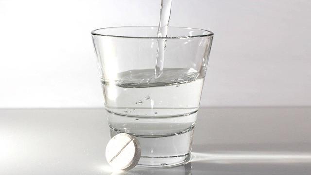 Миллионы людей принимают ненужный им аспирин для профилактики болезней сердца