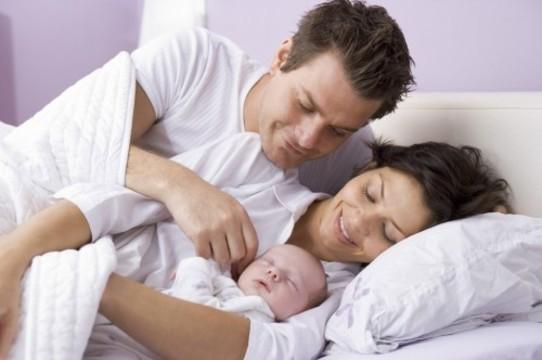 Рождение детей [не делает людей счастливее]