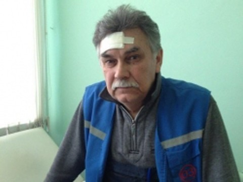 Пациент пытался задушить врача «скорой»