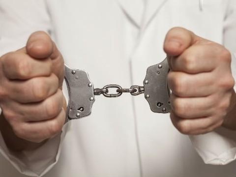 Педиатра из Кировской области приговорили к 1 году и 4 месяцам ограничения свободы