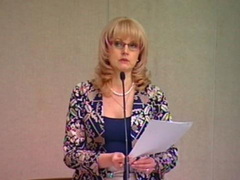 Голикова пообещала ввести [лицензирование врачей с 2015 года]