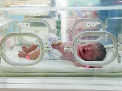 В Екатеринбурге разработан новый  прибор для лечения гипербилирубинемии у новорожденных