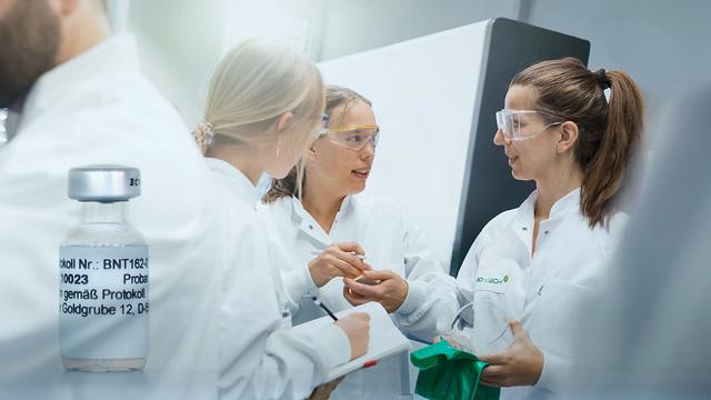 Pfizer и BioNTech заявили о 95% эффективности своей вакцины от COVID-19