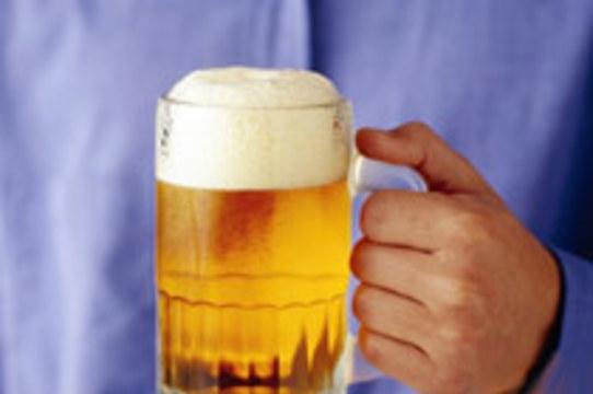 Пиво и вино [способствуют раку кишечника]